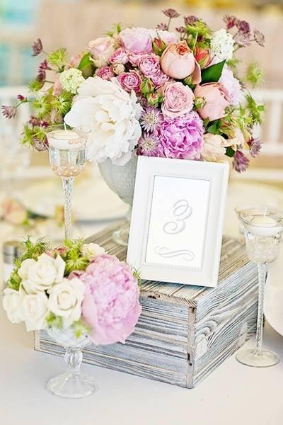 EDISEE-La-boda-con-Diana-Feldhaus-decoración-boda-malva (21)